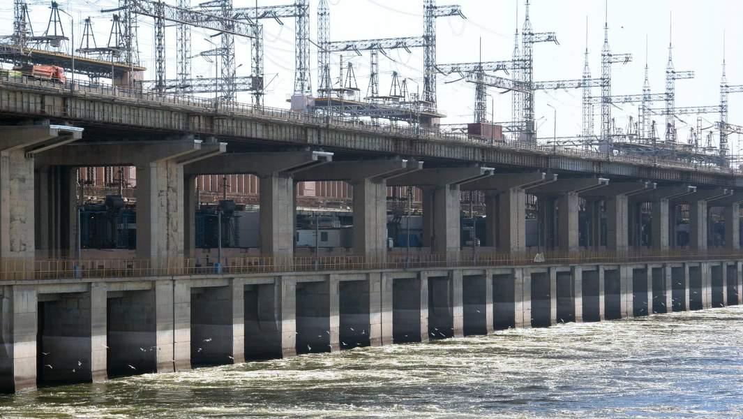 Волжская ГЭС на реке Волге