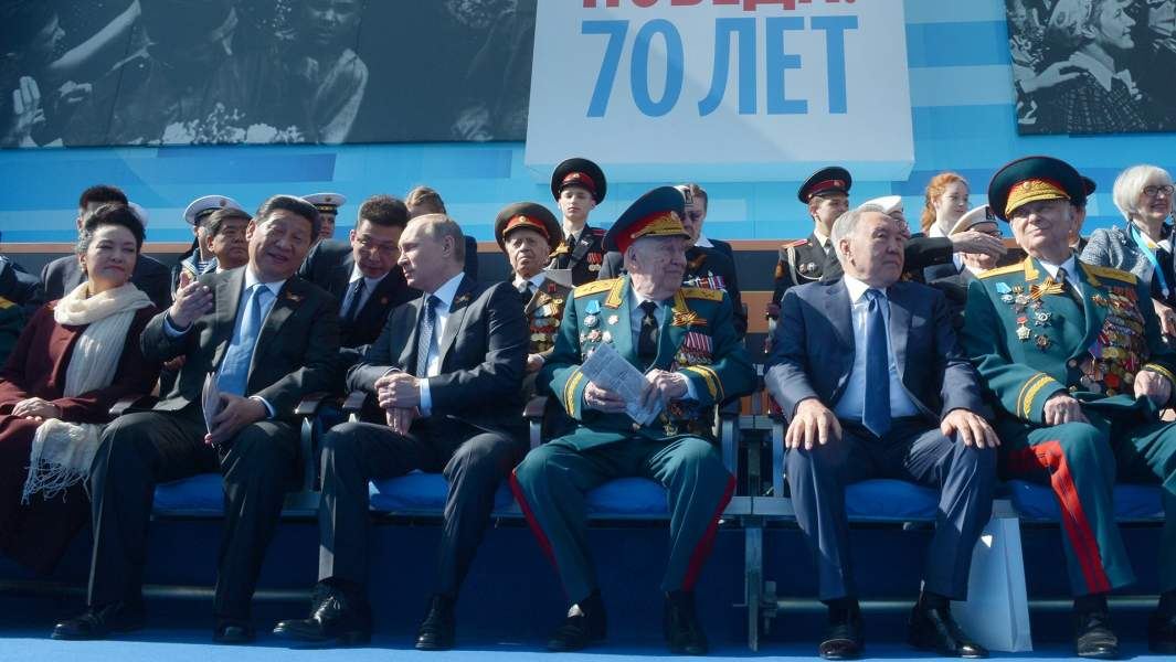 Во время военного парада в ознаменование 70-летия Победы в Великой Отечественной войне. 9 мая 2015 года
