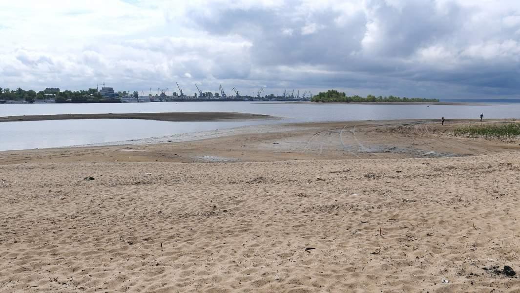 Пляж на реке Волге в Казани