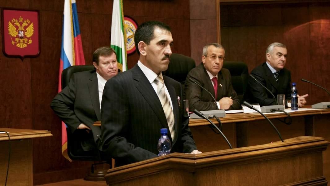 Юнус-Бек Евкуров вступил в должность президента Ингушетии, 2008 год