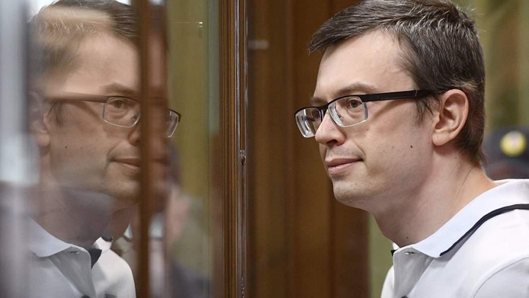 Бывший первый заместитель руководителя столичного главка СК России Денис Никандров, обвиняемый в получении взятки, во время оглашения приговора в Московском городском суде