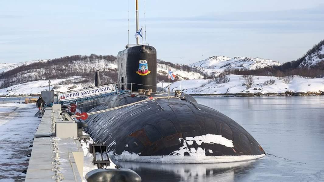 Атомная подводная лодка проекта «Борей» К-535 «Юрий Долгорукий» на причале в Гаджиево