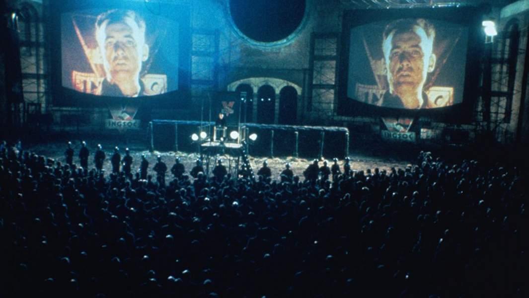 Кадр из фильма «1984» снятого по одноименному роману Джорджа Оруэлла