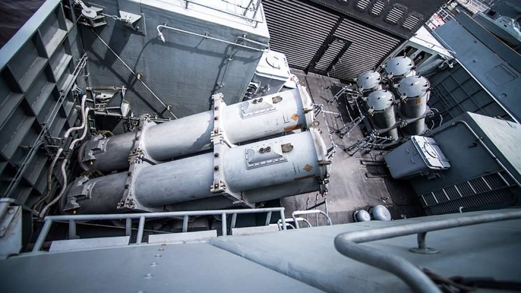 Пусковые установки ракетного комплекса «Уран» на корвете проекта 20380 «Совершенный»