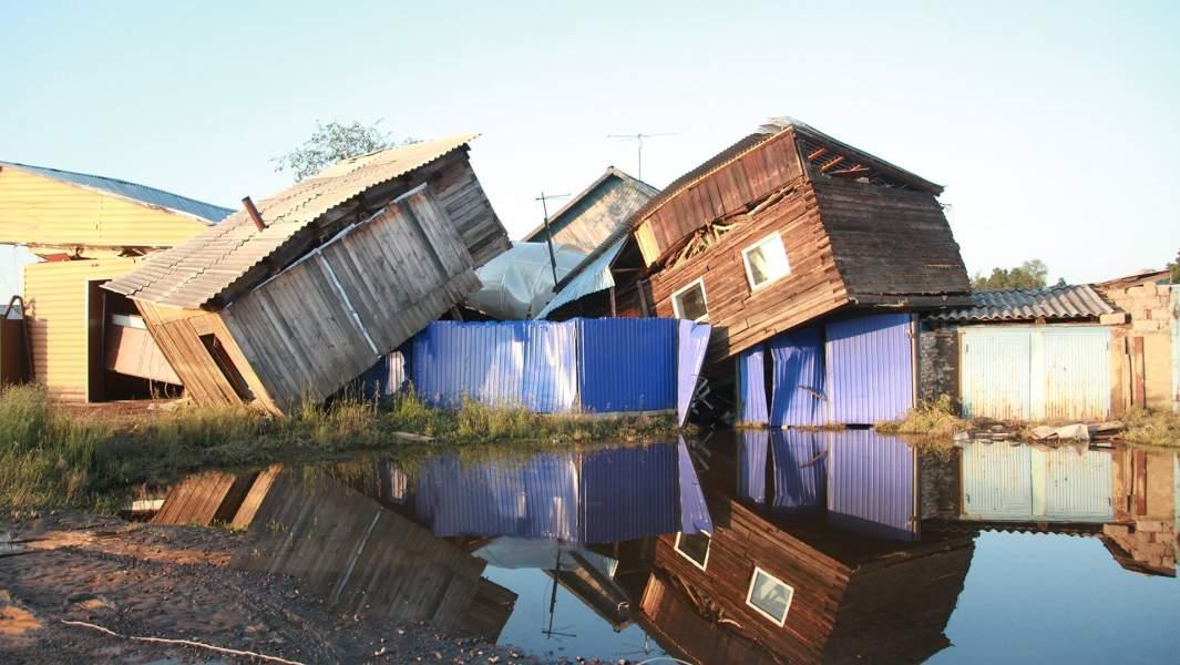 Разрушенные паводком дома в городе Тулун в Иркутской области