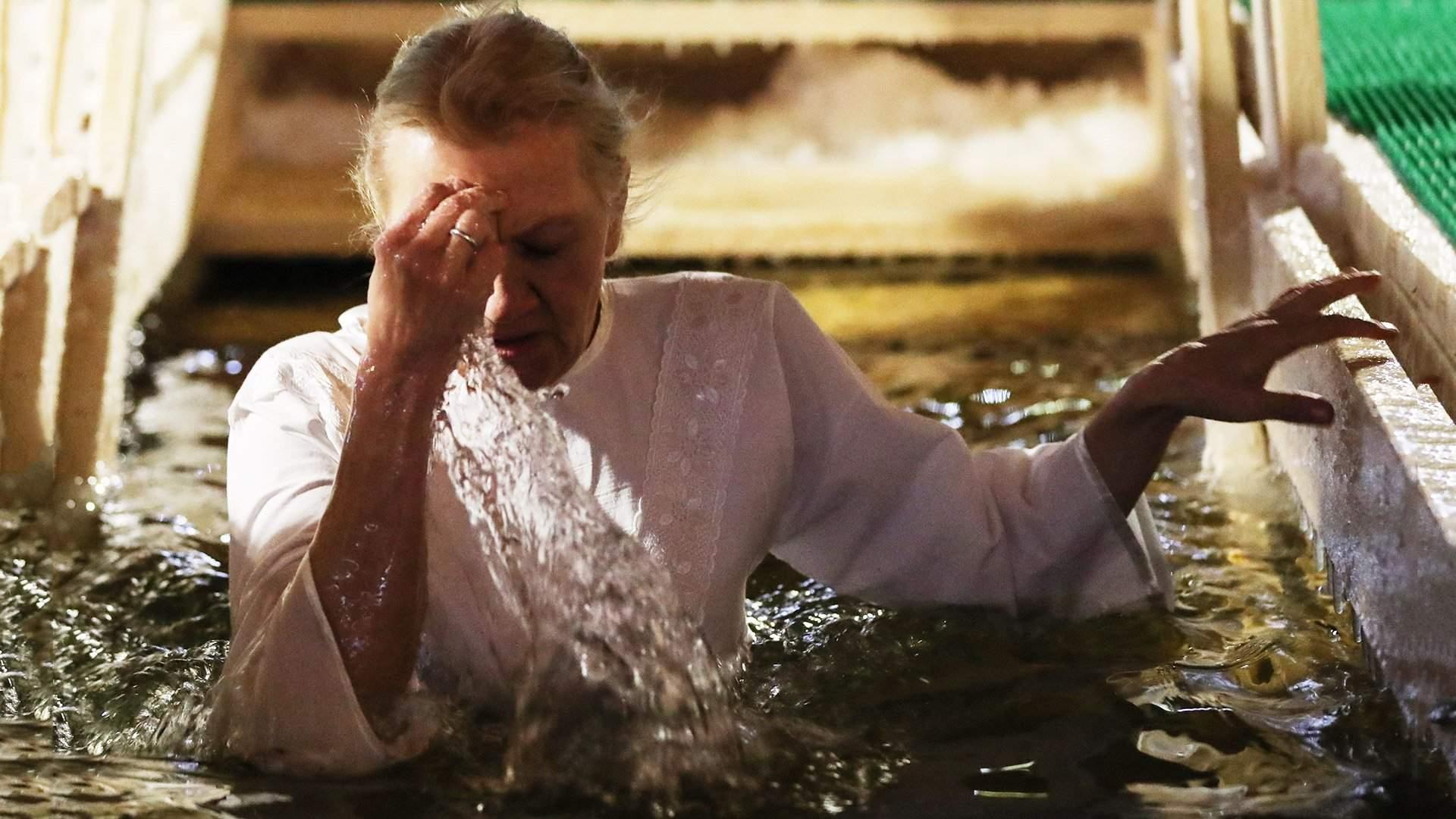 Как подготовиться к крещенскому купанию | Статьи | Известия