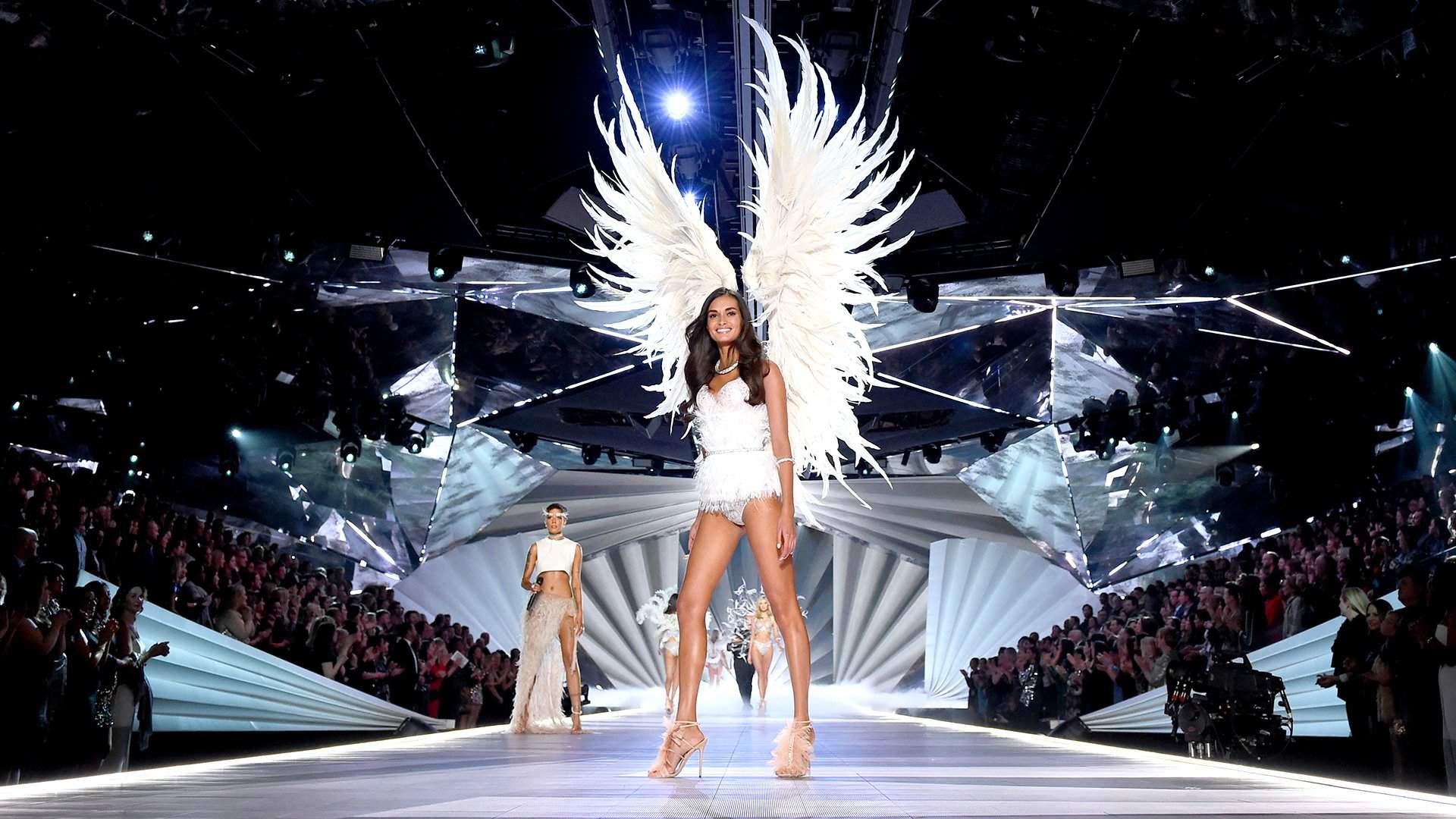521aefa4cd880 Крылатую хотели: модели Victoria's Secret начали раздражать феминисток |  Статьи | Известия
