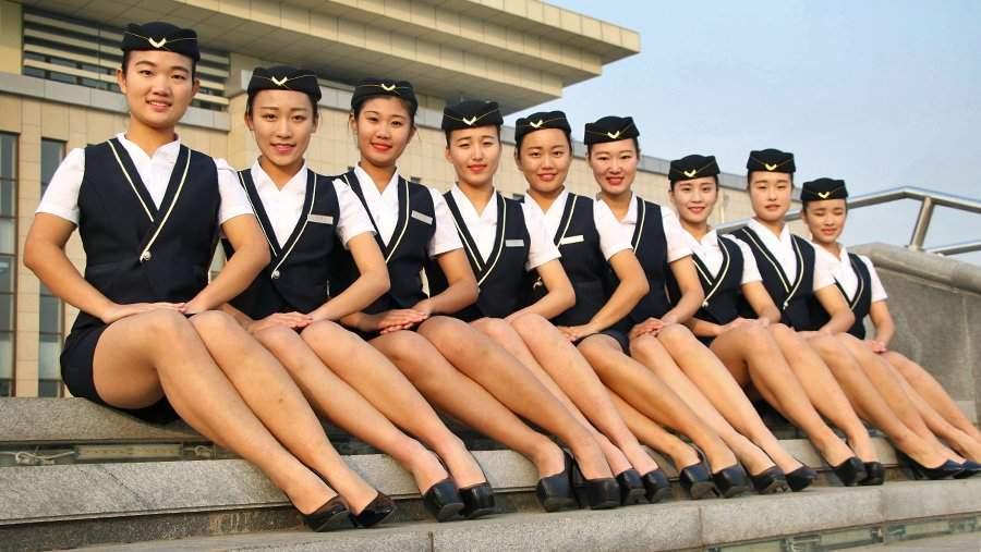 У стюардессы между ног — 5