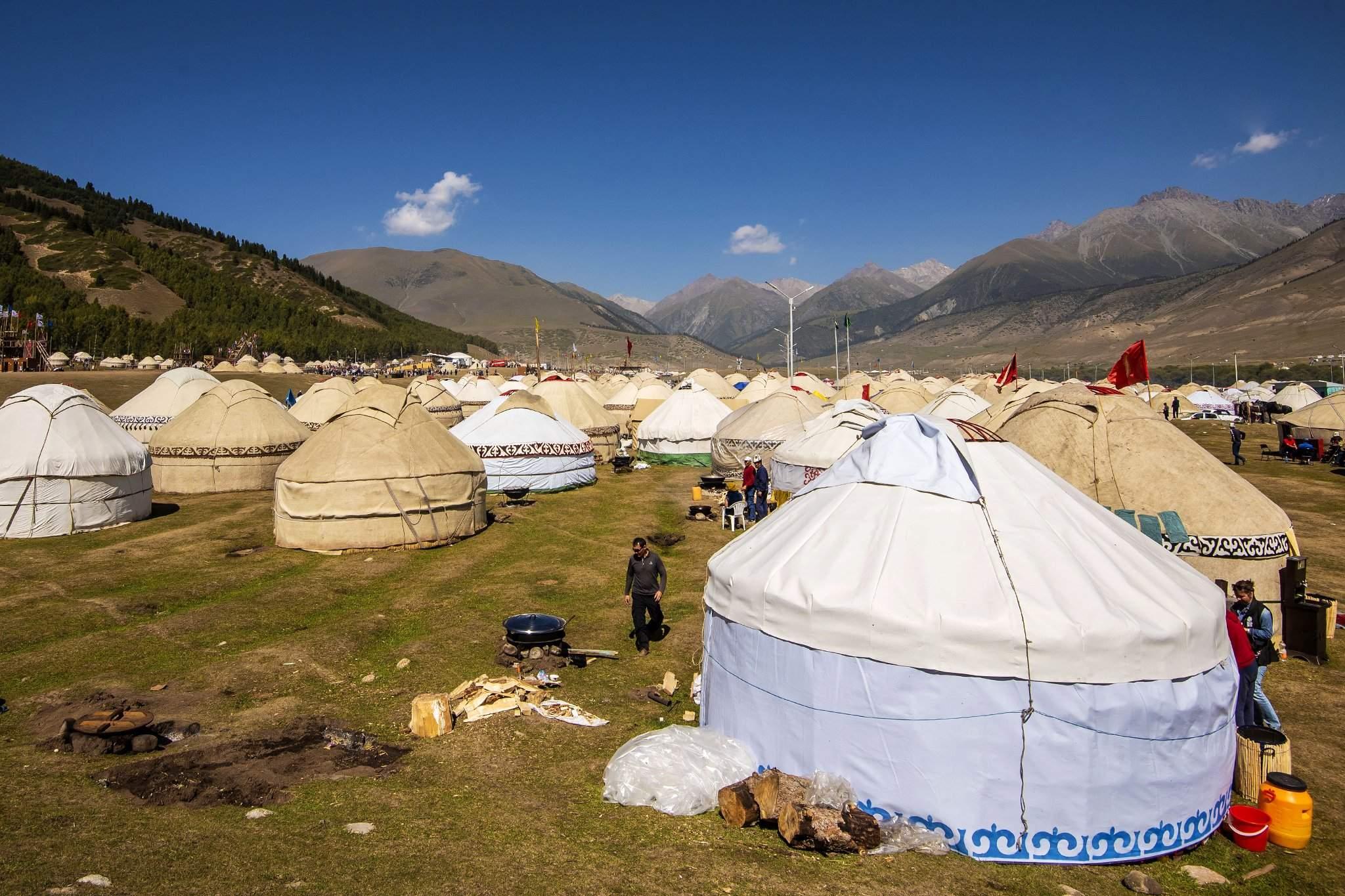 Энэ наадмыг Киргиз улс анх зохион байгуулах санаачилга гаргасан юм.