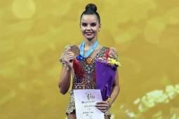 Российские гимнастки завоевали серебро на ЧМ в упражнениях с мячами и скакалками