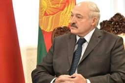 Лукашенко угостил Путина блинами и драниками