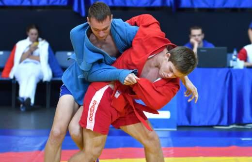 Песков рассказал о ежедневных спортивных тренировках Путина
