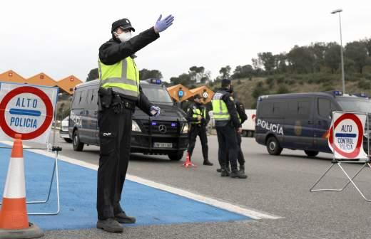 В Испании за сутки от коронавируса скончались более 670 человек