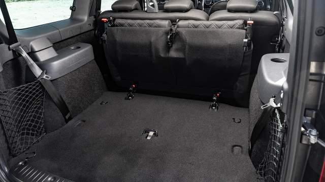 Объем багажника без третьего ряда — 560 литров