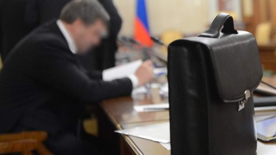 Срок работы чиновников и судей предлагают ограничить 10 годами  | Статьи | Известия