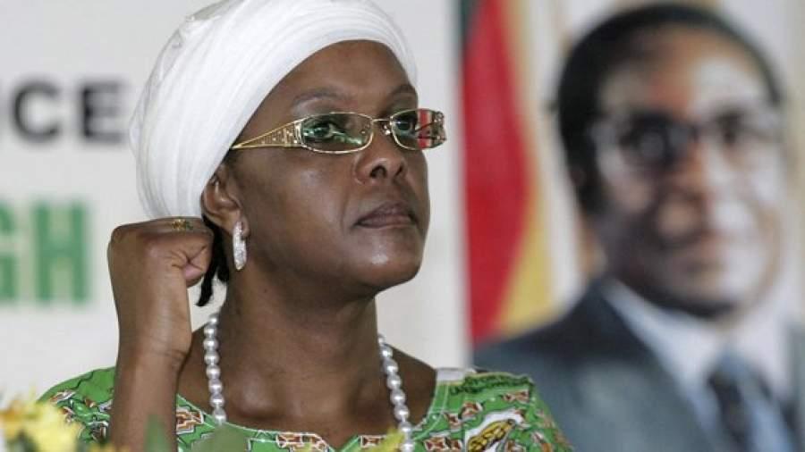 Жена сместила 91-летнего президента Зимбабве