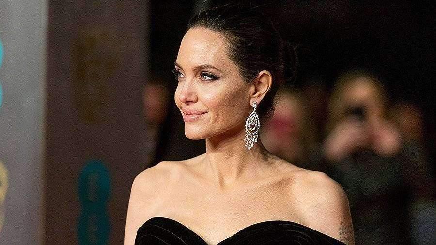 СМИ рассказали о госпитализации Анджелины Джоли   Новости ... анджелина джоли 2018