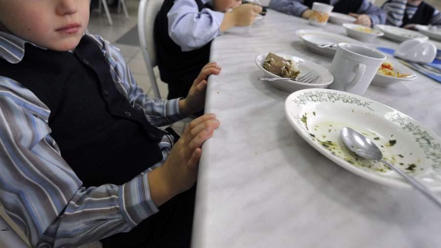 В Подмосковье чиновники защищают участников картеля в сфере школьного питания