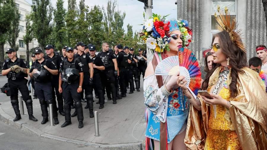 По улицам Киева прошли педерасты, лесбиянки и другие половые извращенцы