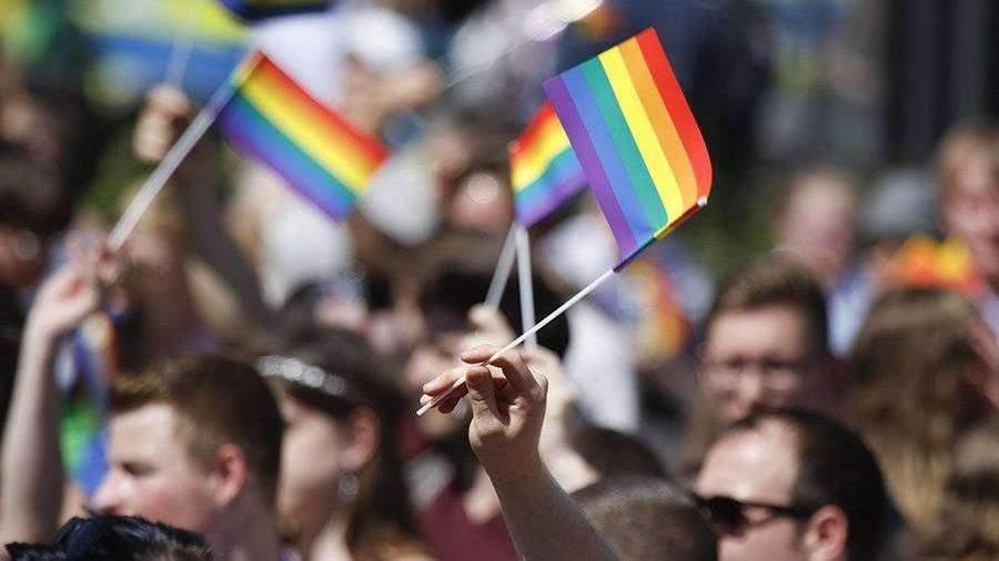 Трамп запретил посольствам США вывешивать флаги ЛГБТ-движения