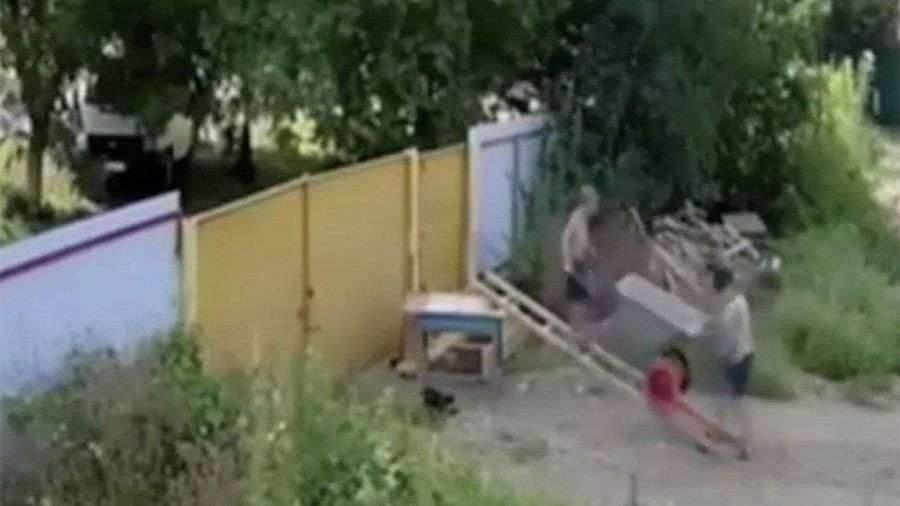 devushki-iz-fotoapparata-ukradennie