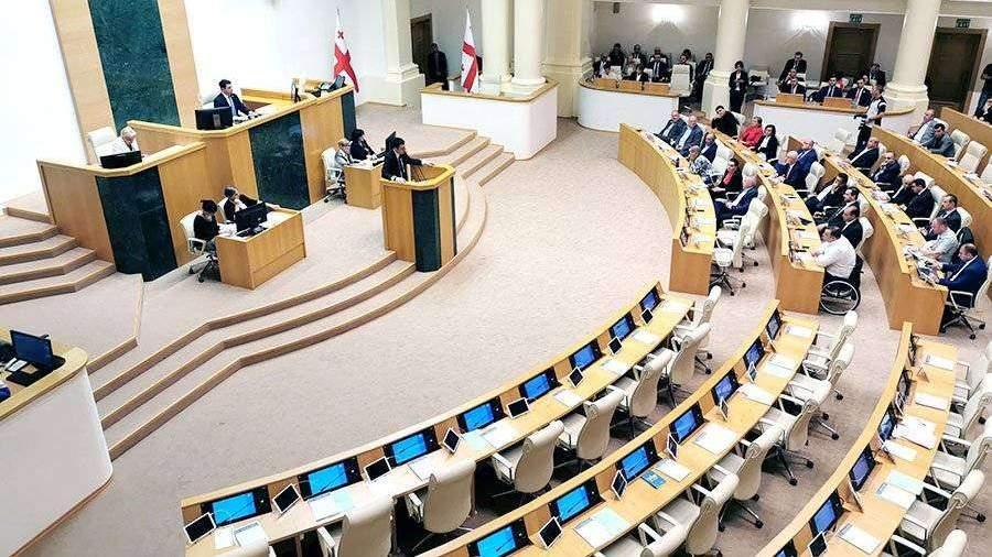 parlament-gruzii-utverdil-novogo-premyera-strani