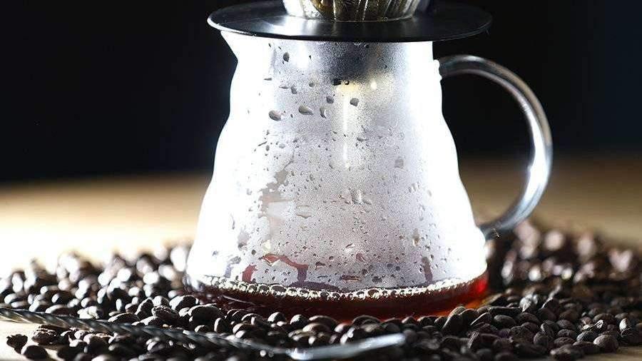 ucenie-nasli-novoe-poleznoe-svoystvo-kofe