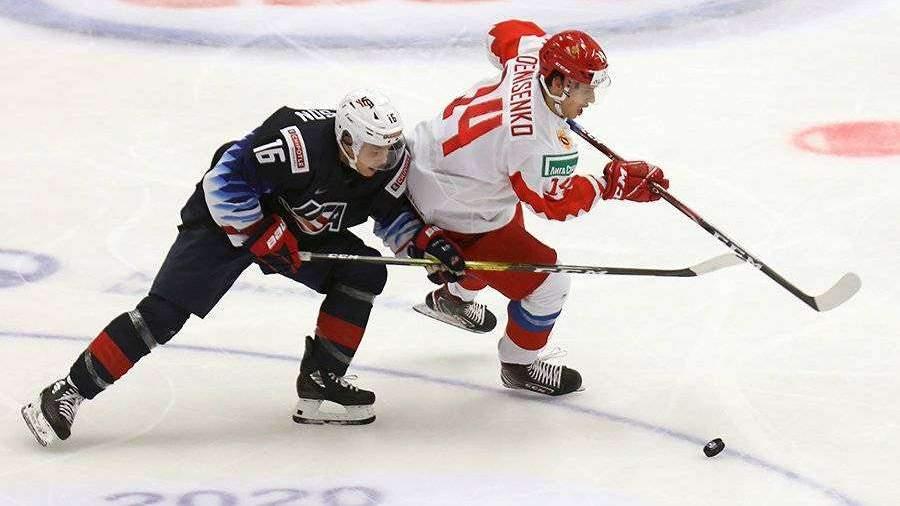 Российские хоккеисты уступили США на молодежном чемпионате мира в Чехии