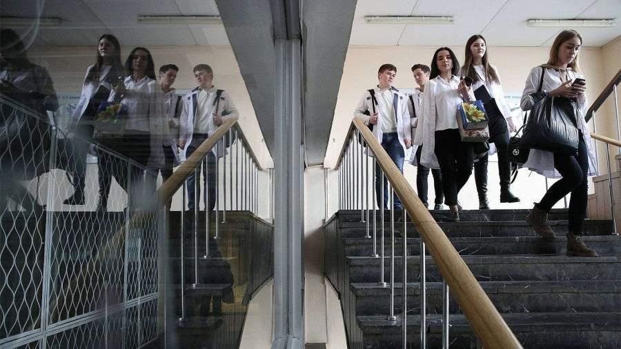 Путин поручил предоставить студентам возможность смены специальности с 3-го курса