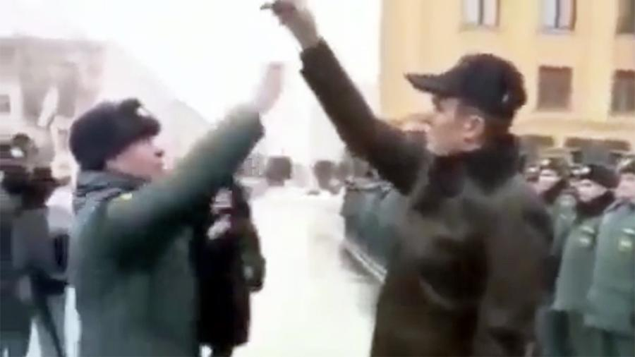 В МЧС объяснили инцидент с главой Чувашии и «подпрыгивающим» пожарным