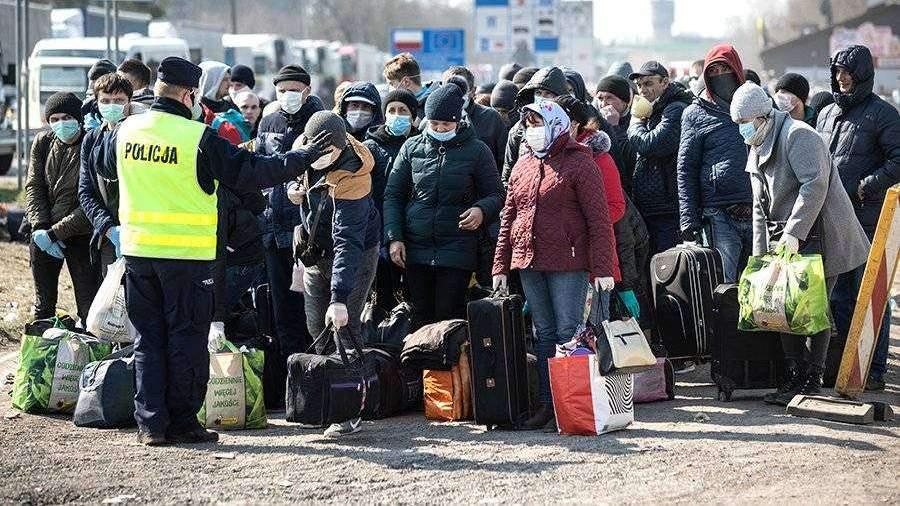 Очередь украинцев на границе с Польшей