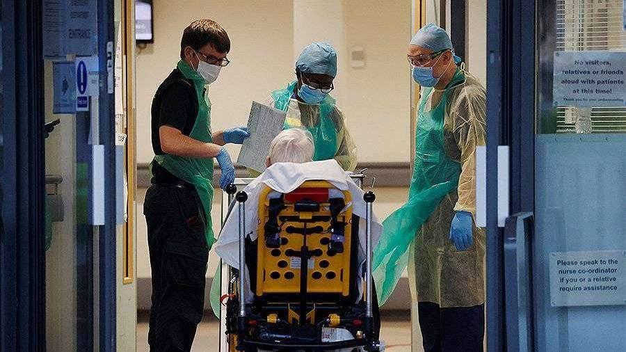 Ученые сообщили о смерти 33% поступающих в больницы с COVID-19