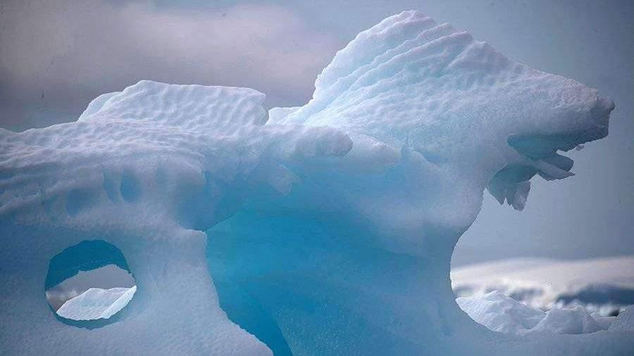 В Антарктиде начал разрушаться крупнейший в мире айсберг