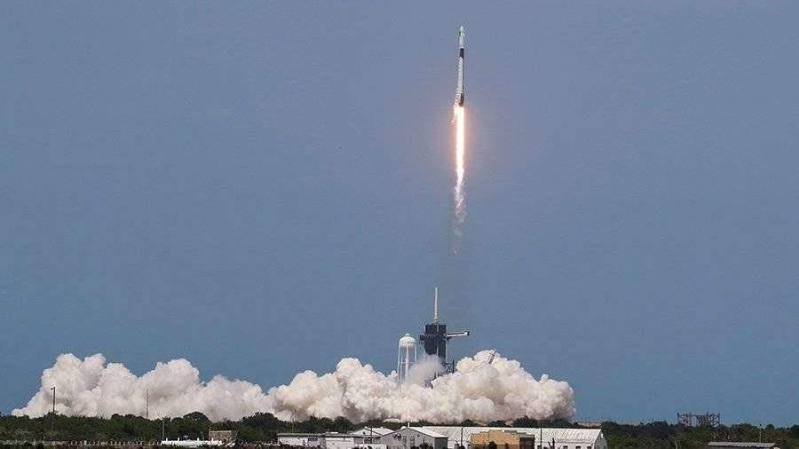 В США успешно стартовал пилотируемый корабль Crew Dragon