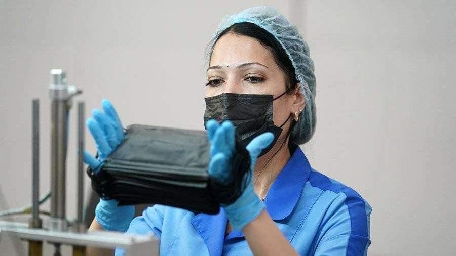 Физики установили снижение эффективности защитных масок из-за кашля