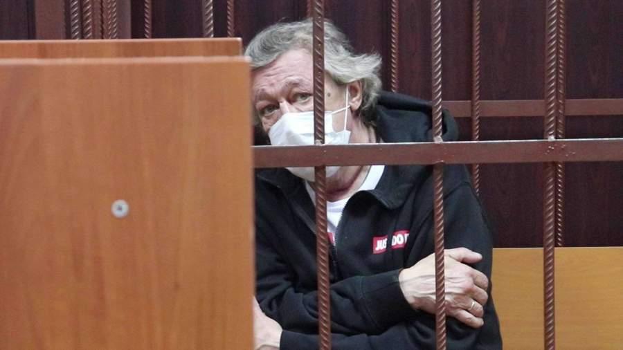 Супруга погибшего в ДТП Захарова отказалась на идти на мировую с Ефремовым