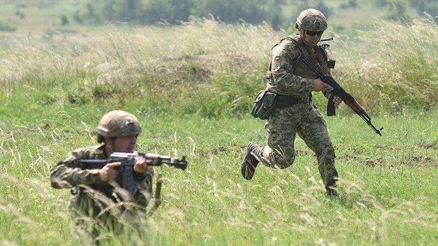 Украина усилила боеготовность войск у границ с Крымом