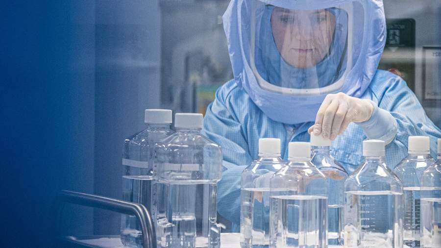 МИД КНР потребовал от США объяснений об опытах в биолабораториях на Украине
