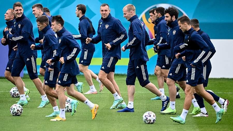 Российские футболисты прибыли в Петербург для участия в Евро-2020