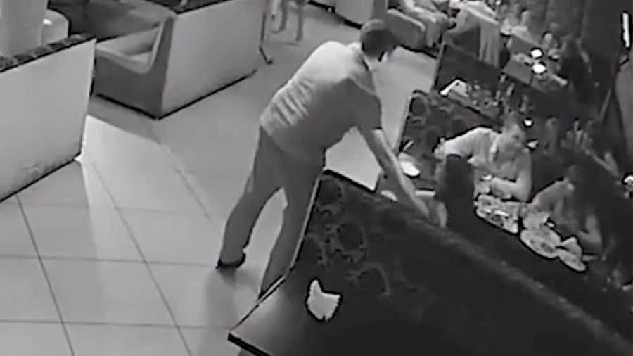В Сети появилось видео скандального отдыха депутата КПРФ Бондаренко