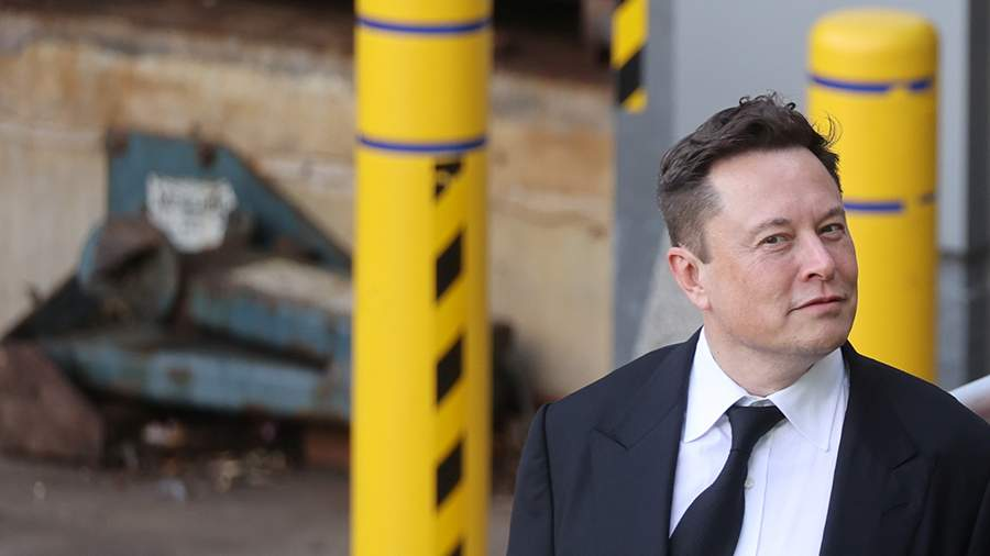 Илон Маск поздравил компанию Безоса с успешным суборбитальным полетом