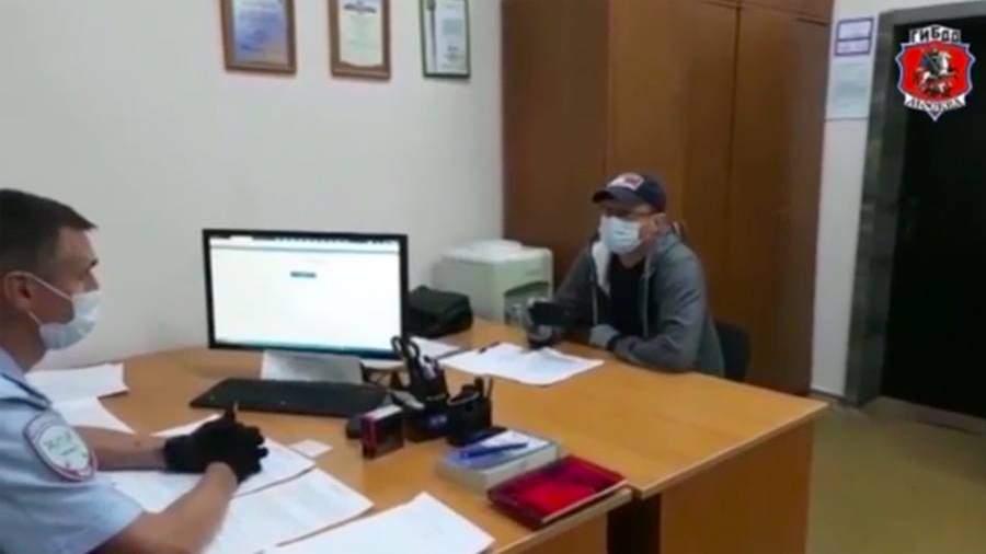 Задержан устроивший гонки на электросамокате с ребенком житель Москвы