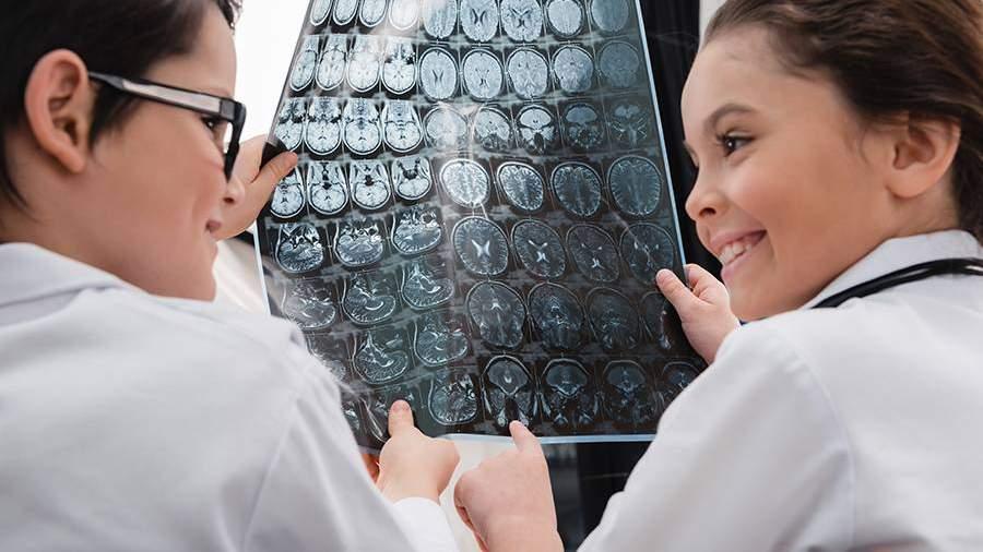 Ученикам «Кванториум Дона» рассказали об исследованиях мозга российскими учеными