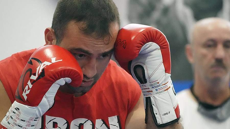 Олимпийская сборная России по вольной борьбе поддержала боксера Гассиева