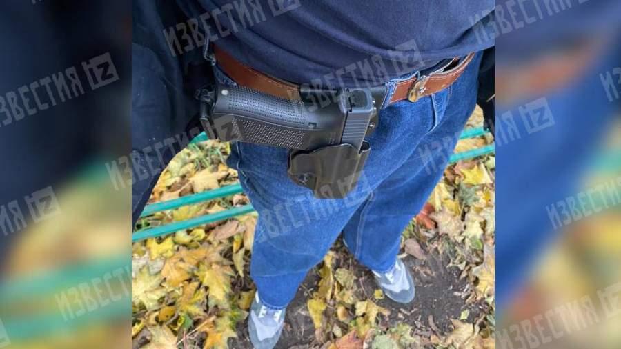 Открывший стрельбу у московской школы отец ученицы был сотрудником ЧОП
