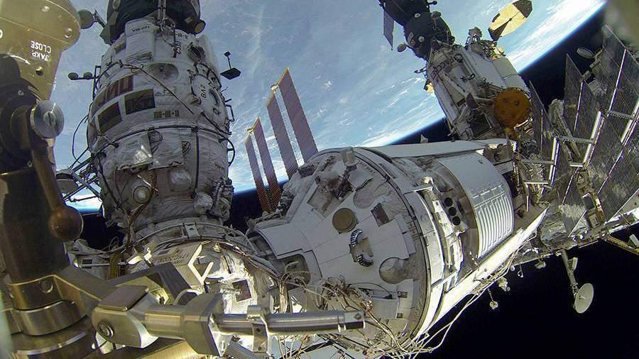 Российские ученые раскрыли загадку происхождения пыли на МКС