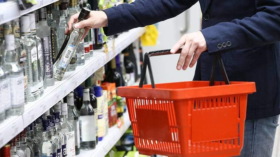 Детские пособия запретят тратить на алкоголь и сигареты