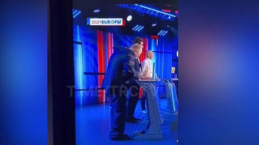 В ЛДПР прокомментировали случай со слетевшими на дебатах брюками Жириновского