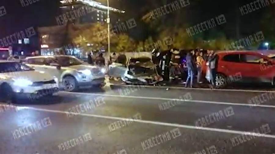 На юге Москвы столкнулись пять автомобилей