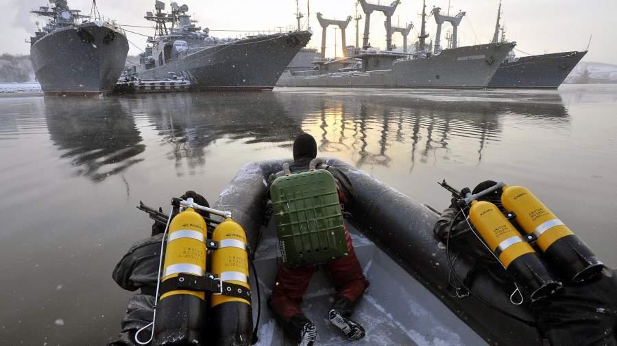 Заступление на боевое дежурство отряда по борьбе с подводными диверсантами в Североморске